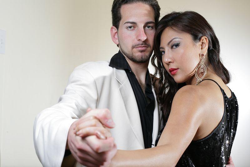 Bigstock-Elegant-young-couple-dancing-t-15795950 (2)